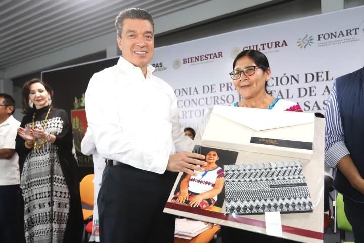 Presenta FONART merecida exposición al Rebozo Foto Noticias de Chiapas