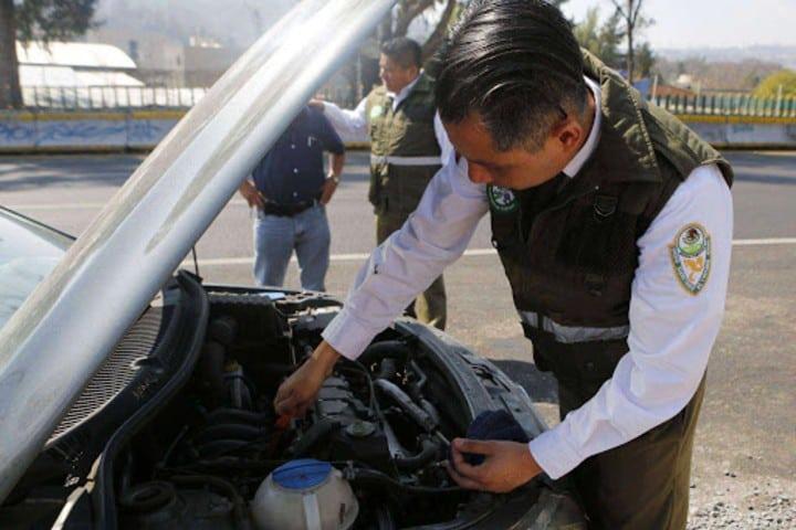 Siempre ayudando a la ciudadanía. Foto: pokerpolitico.com.mx