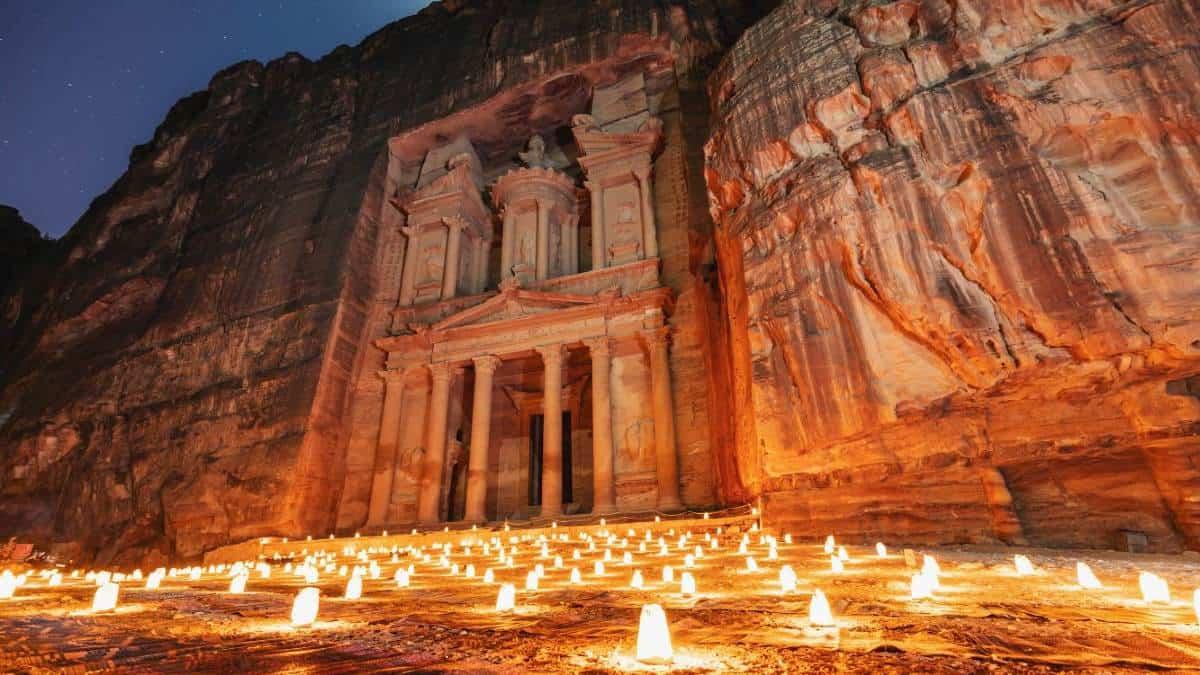 Tesoro-petra-jordania-noche