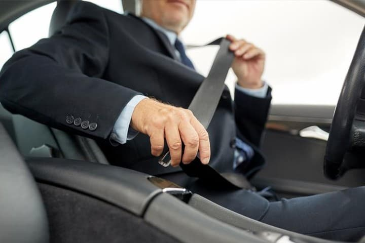cinturon-de-seguridad-no-obligatorio-cuando-2