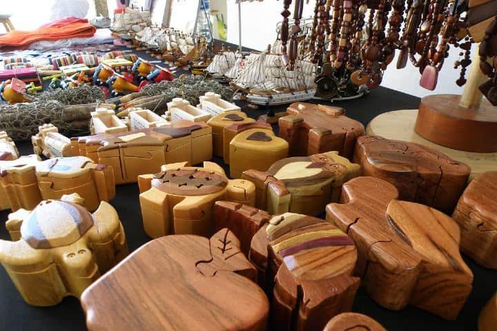 Artesanías hechas con madera. Foto: viamexico.mx