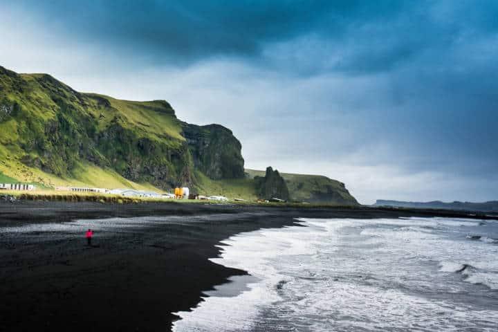 Playas con arena negra. Islandia. Foto. Naveen Raj 3A