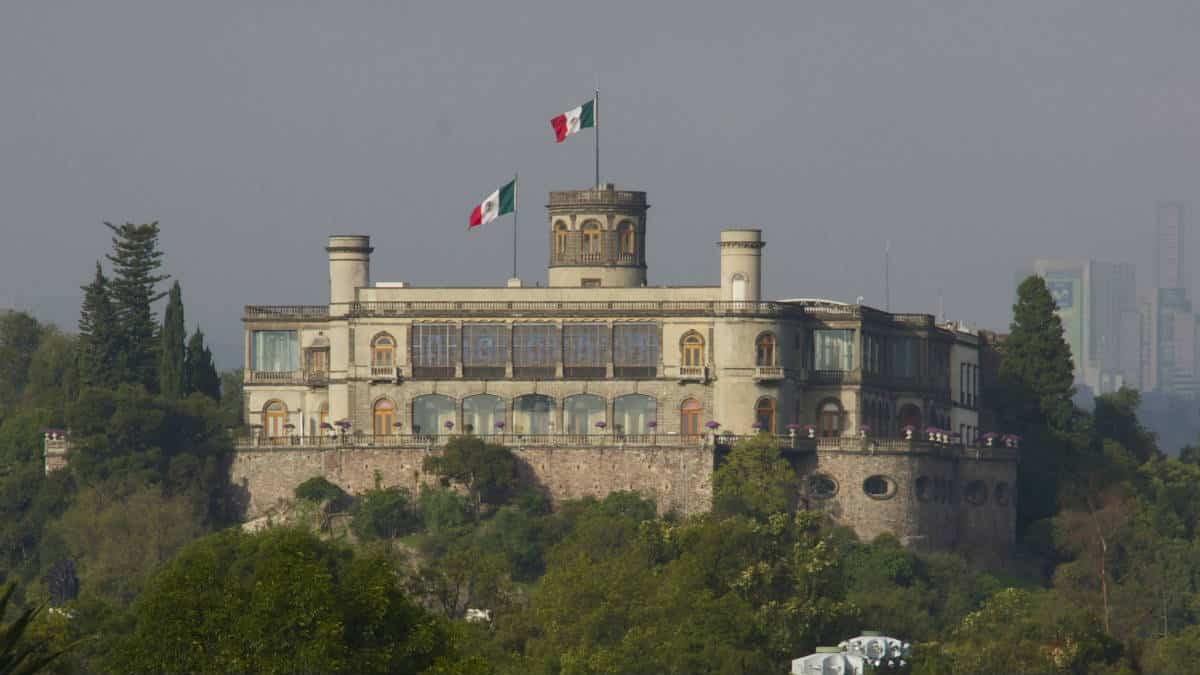 Portada. Curiosidades del Castillo de Chapultepec. Foto Lion 1