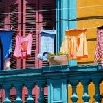 ropa sucia en caminito buenos aires