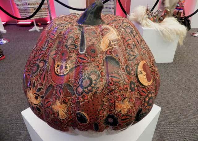calabaza gigante barro decorado FONART. Foto: Archivo