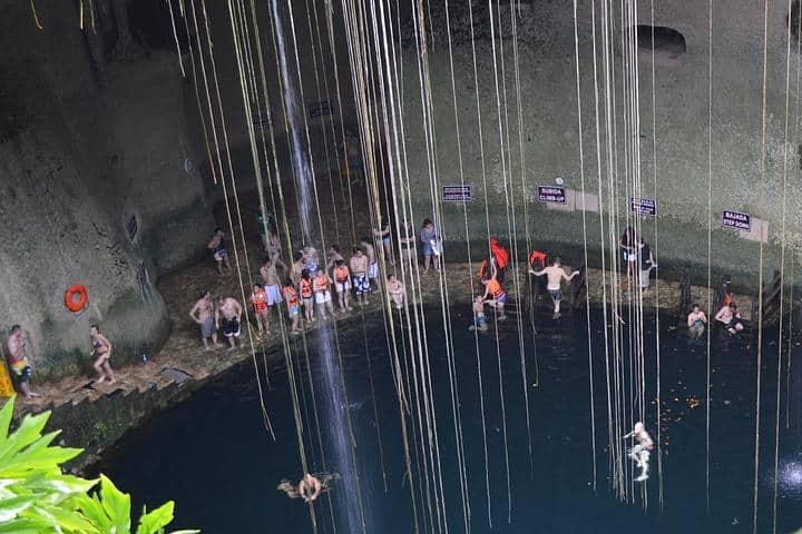 cenote-352118_1280 (1)