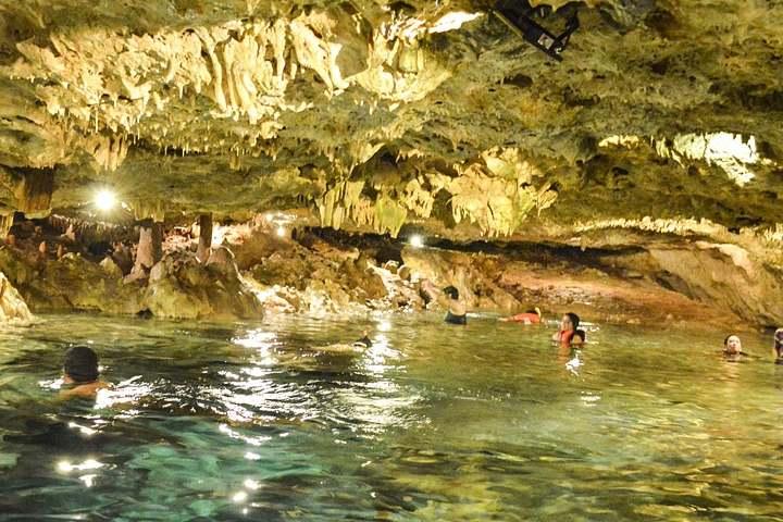 cenote-669699_1280 (1)