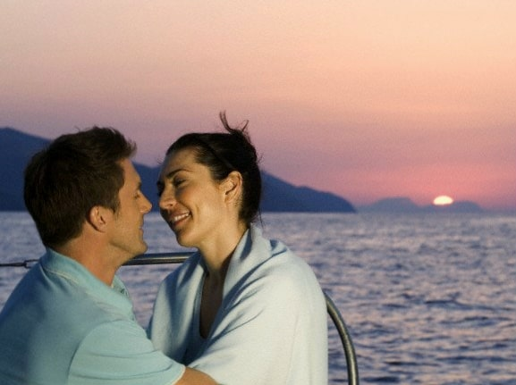 cruceros solteros beso