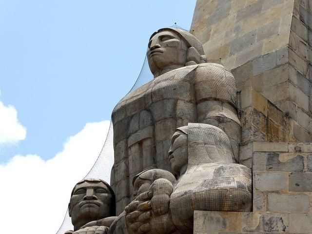escultura monumeto a la revolucion