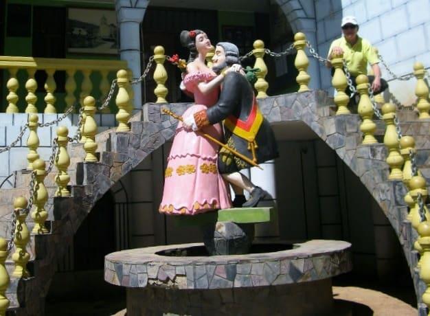 estatua perricholi