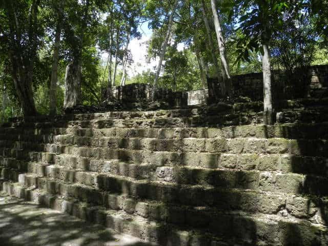 Calakmul escaleras dos