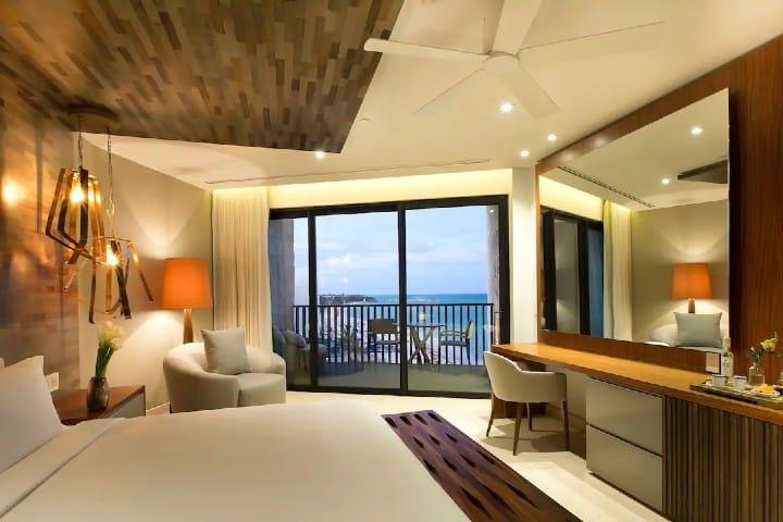 Grand-Hyatt-Playa-Del-Carmen-Resort-P163-Presidential-Suite-Bedroom.16×9