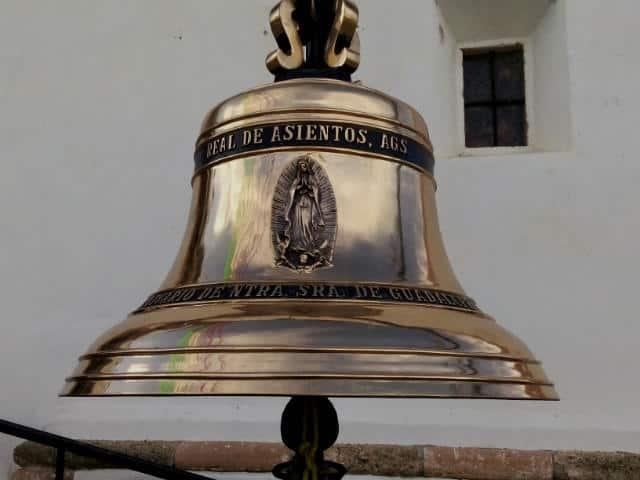 Real de Asientos campana conmemorativa