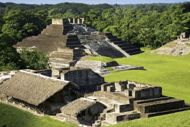 Zona Arqueológica de Comalcalco.Foto.Viaja por México.1
