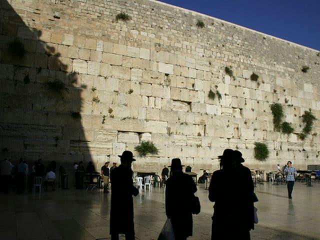 muro de los lamentos hombres