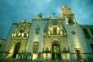 Real de Asientos iglesia