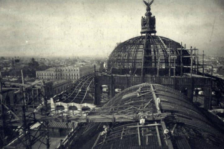 Construcción por el arquitecto Adamo Boari. Ciudad de México. Foto: Archivo