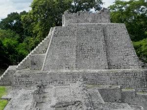 Edzna templos perfil