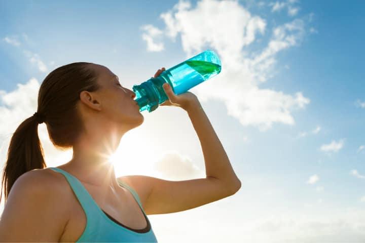 Lleva contigo una botella de agua seguro la necesitarás.Foto.Fosters.16