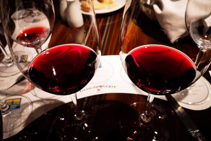 Un vino siempre para acompañar.Foto.Pinterest.10