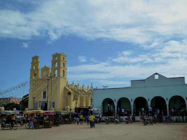 acanceh mercado iglesia Hotel MedioMundo