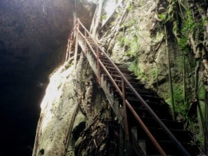 mayapan cenote nah ya escaleras