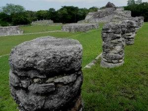 mayapan columnas