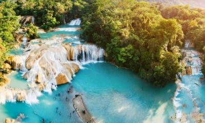 Cascada de agua azul. Imagen: Chiapas. Archivo