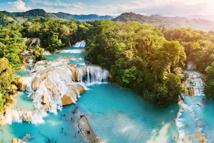 Cascadas de agua azul. Imagen: Chiapas. Archivo