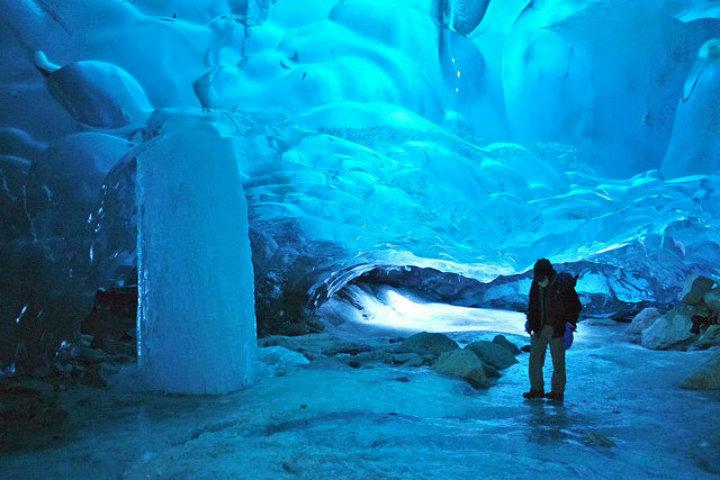Las cuevas de hielo de Mendenhall son impresionantes Foto Archivo