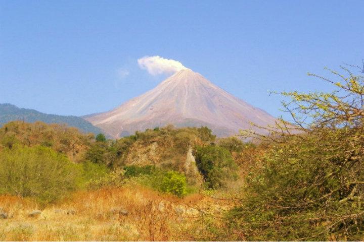 No te dejes intimidar por el Volcán de Colima Foto Archivo