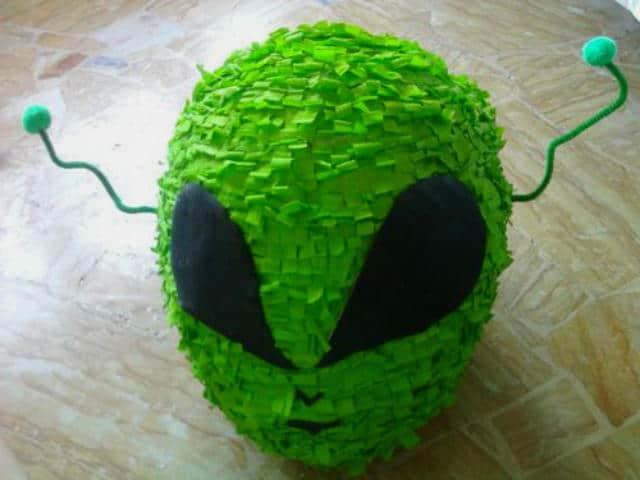 piñata alien