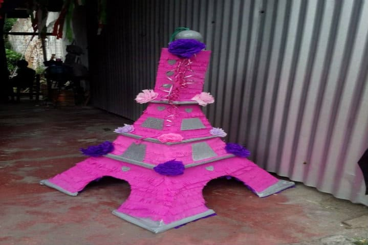 piñata-eiffel