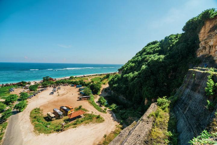 ¿Qué esperas para visitar la playa de Pandawa? Foto Randy Tan Travelogue