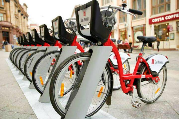 Y si piensas estar en Moscú, qué mejor que viajar ecológicamente con el sistema de bicicletas compartidas Velonike Foto Archivo