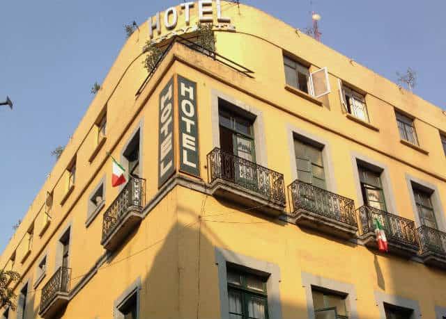 hotel en calle motolinia