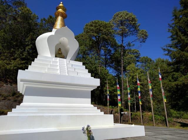 stupa de la paz valle de bravo