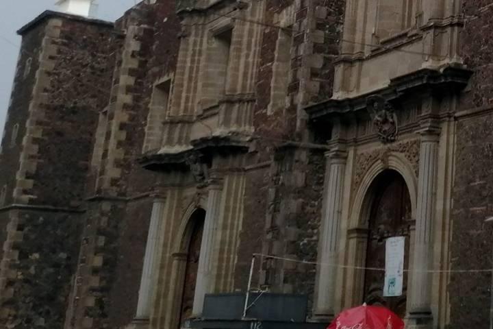 Calle Moneda, Templo de Santa Inés