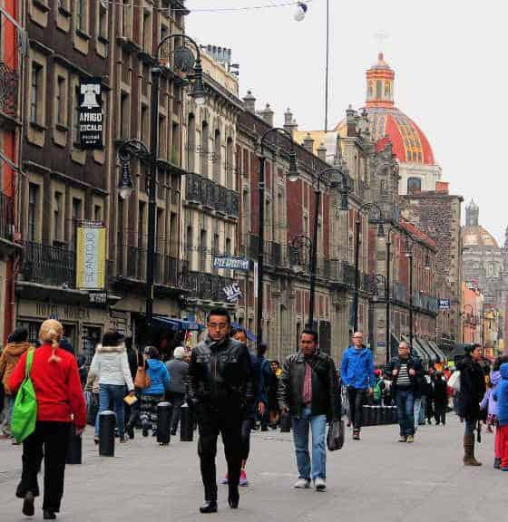 calle moneda centro historico