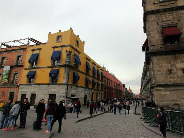 Entrada calle Casa Moneda. Foto El Souvenir