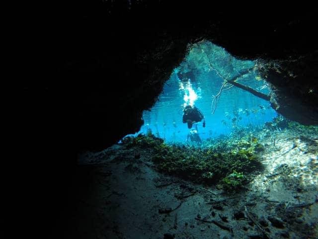 laguna media luna buceo caverna