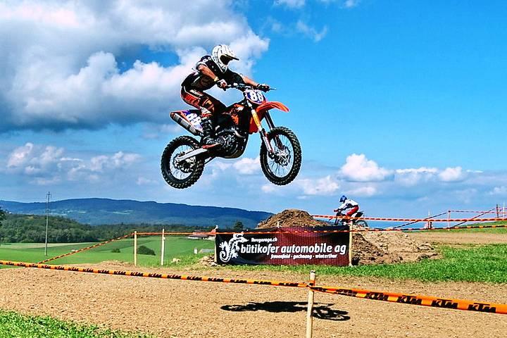 video carrera de motocross en 360