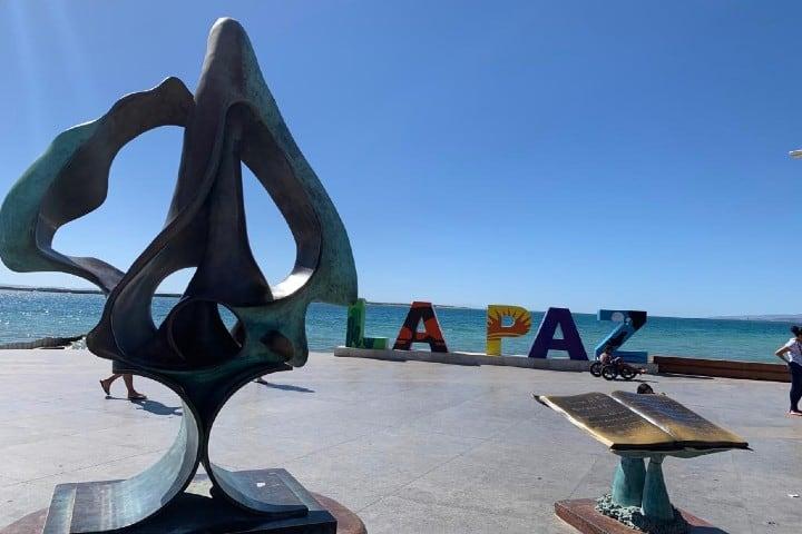 Malecón-de-la-Paz-Foto-Viaja-como-Local-5