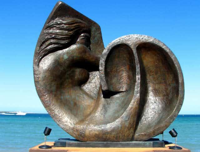 Malecon La Paz Mujer en Nautilus Foto Candy Tale