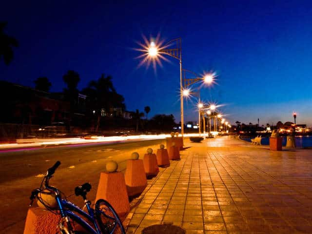 Malecon La Paz malecon noche Foto VivaLaPaz