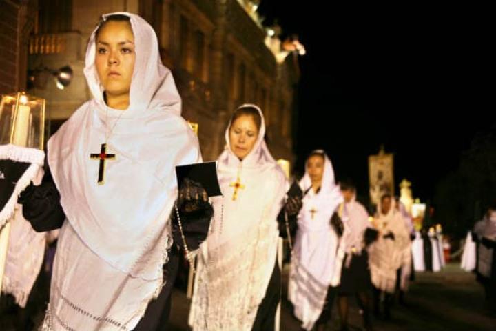 Mestizaje en la procesión. Foto: Archivo