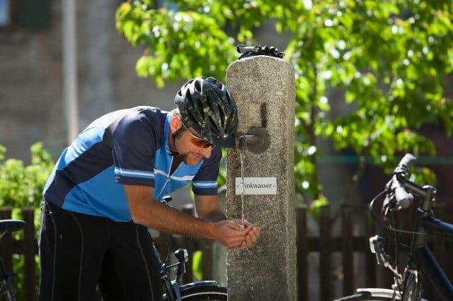 agua potable para beber ciclista