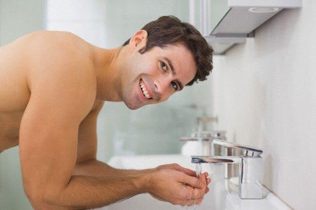 agua potable para beber grifo