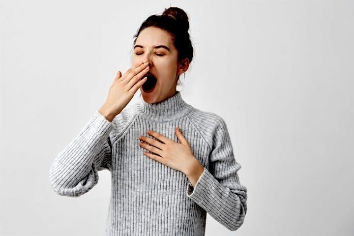 Intenta- bostezar-como-primera-opción-¿Por-qué-se-tapan-los-oídos-cuando-volamos?-Foto-Hospital-Alemán-5