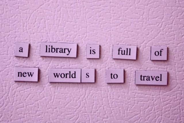 que leer en un viaje library world